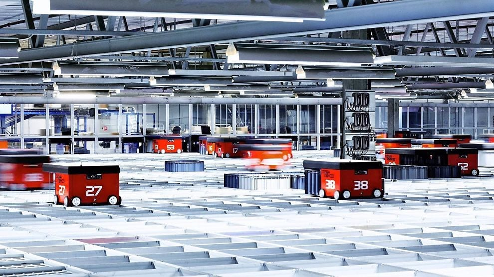 Roboter på lageret til Komplett Bedrift